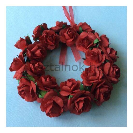 Piros rózsa koszorú