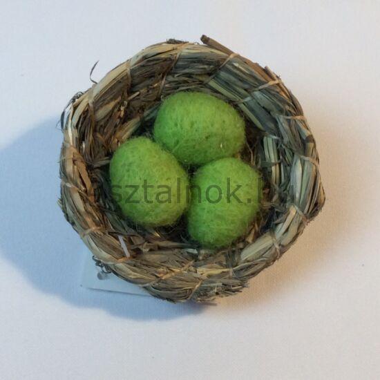 Madárfészek dekoráció zöld tojásokkal